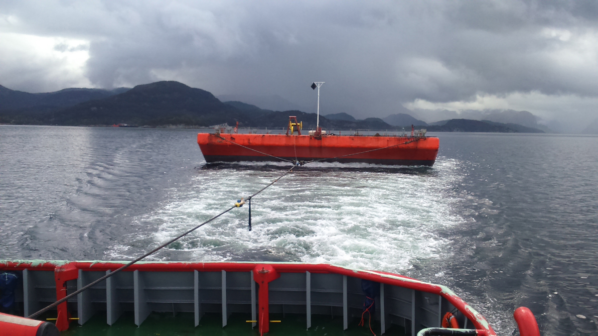 Offshore Towage : Barge UR6 Stavanger to Rotterdam
